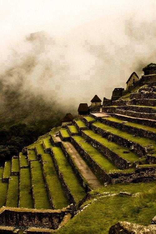 Machu Picchu , Peru 4
