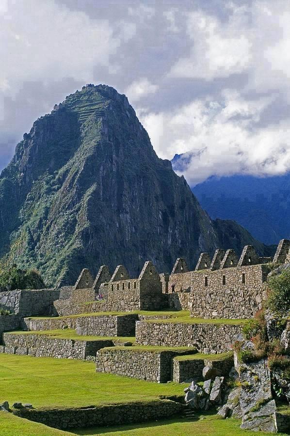 Machu Picchu , Peru2