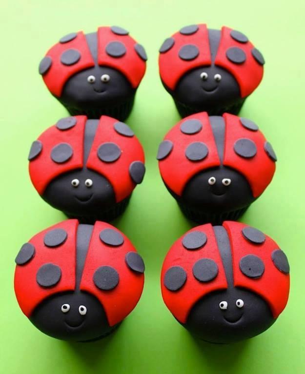 cupcakes ladybugs