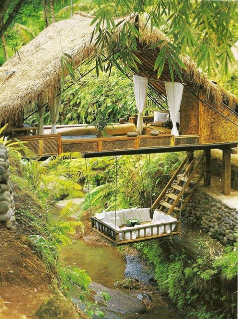 tree house hanging