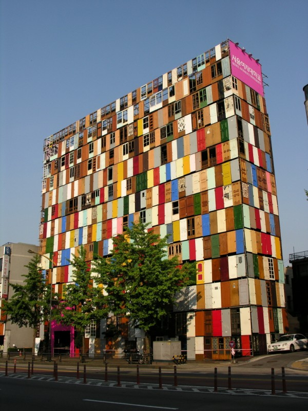 1,000 Doors by Choi Jeong-Hwa