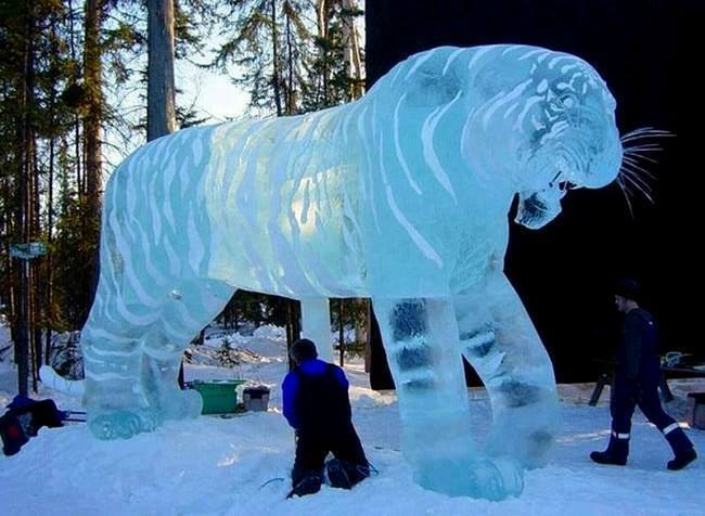 ice sculpture tiger