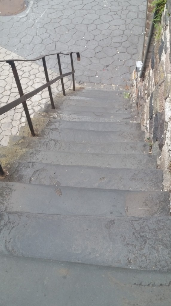 old-stairs-on-savannah-ga-river-front