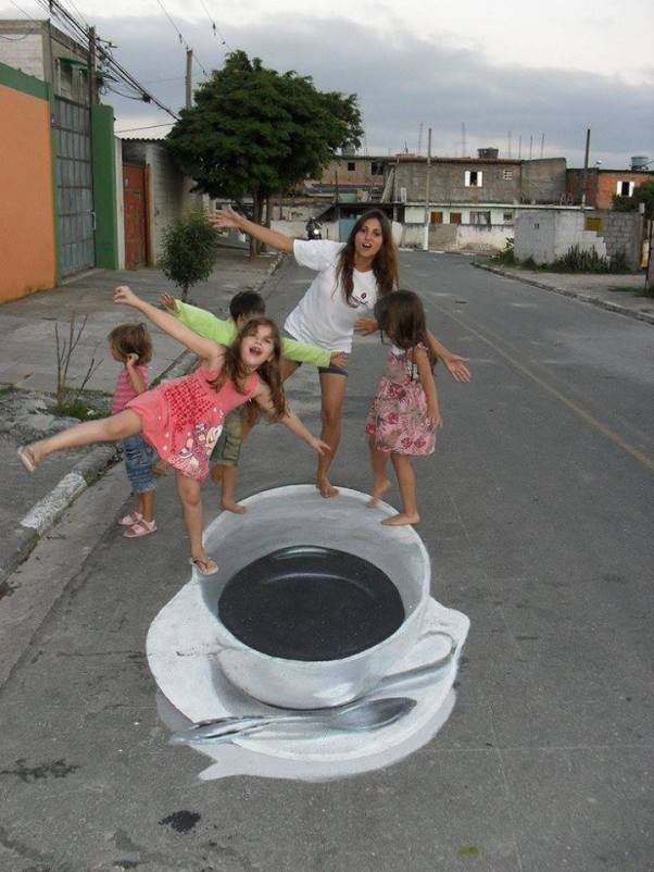 painting-cup-and-saucer-on-street