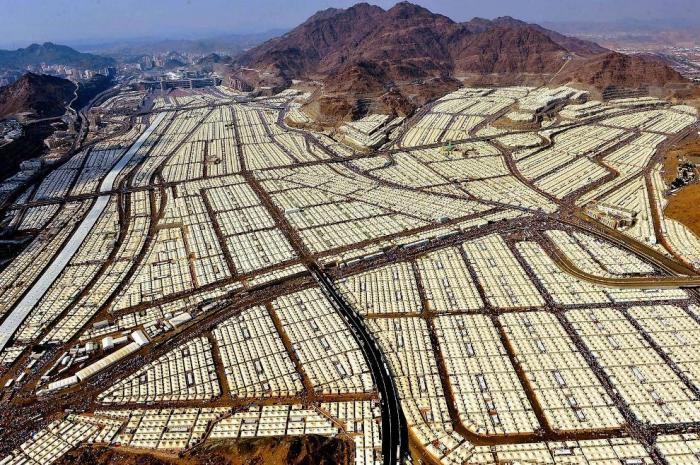 two-million-pilgrims-occupy-mecca-hadj-tent-city