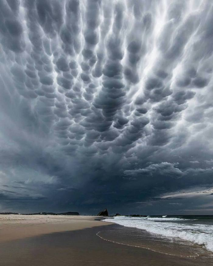 awesome-cloud-formation-queensland-australia