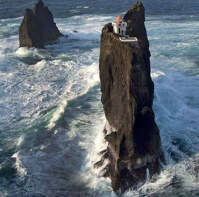 lighthouse-iceland